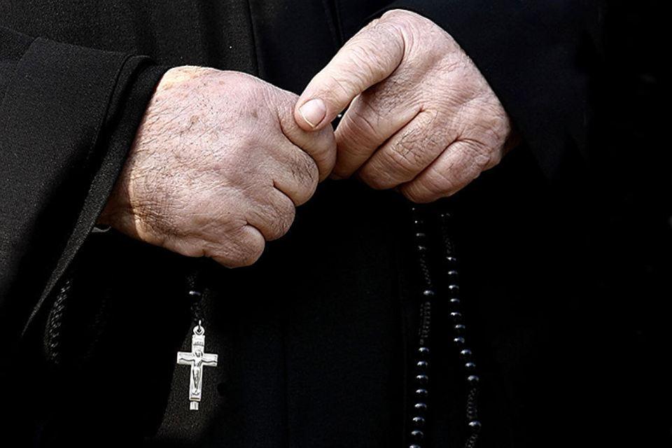 Священника остановили на таможне, но то, что он сказал – бесценно!