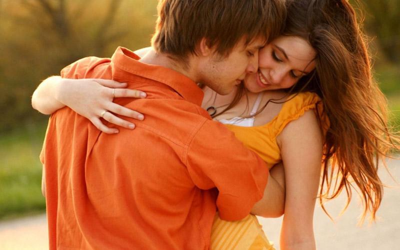 Парень получает лучший ответ от семьи своей девушки, когда он пытается поцеловать ее. Это золото!