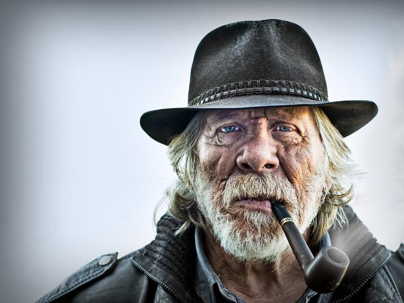 То, что старик ответил продавщице при покупке сигарет — стоит вашего внимания!
