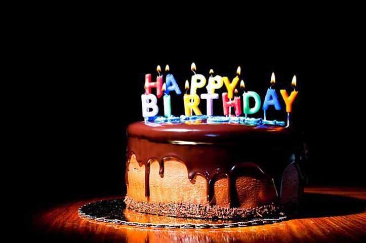 Мужчина думает, что все забыли про его день рождения, но то, что происходит в конце дня – шок!