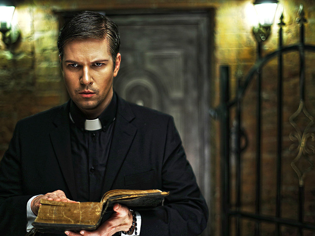 Священник слишком много сквернословил, последствия сумасшедшие!