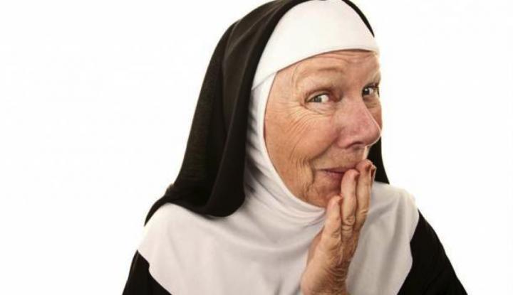 Монахиня заходит в бар, в поисках уборной. То, что происходит дальше – невероятно!