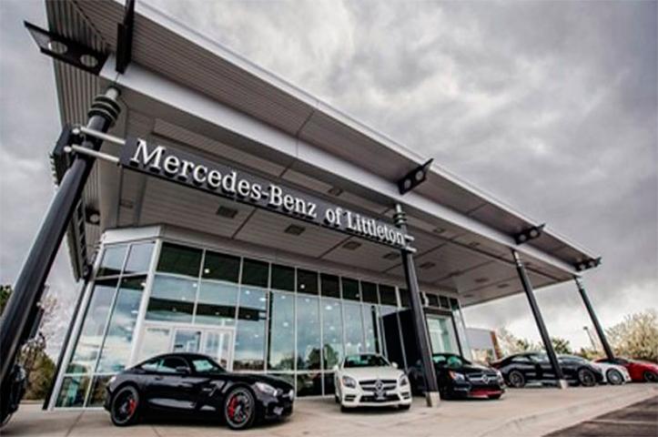 Пожилая семейная пара вернулась к дилеру «Mercedes». Но то, что они там обнаружили – поразительно!