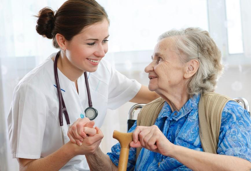 У пожилой леди были проблемы с пищеварением. Но решение доктора – уморительно!