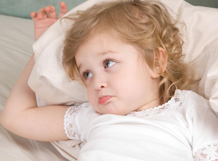 Мама обнаружила, что ее маленькая девочка молится в своей спальне, но не может поверить в пожелание дочери!