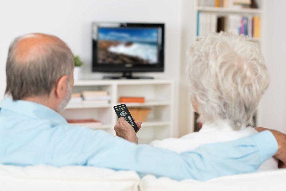 У пожилой пары возникают проблемы с памятью. То, что происходит дальше — уморительно!
