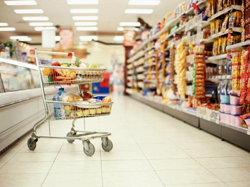 Услышав, что мужчина покупал в магазине — женщина невольно засмеялась!