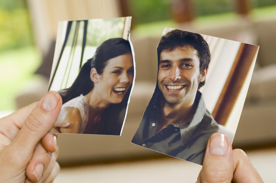 Жена изменяет мужу несколько раз и сбегает с мужчиной, с которым она познакомилась через интернет. Что произойдет дальше – поразительно!