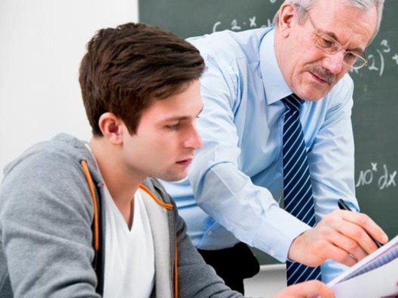 То, как аттестовывал мальчиков преподаватель — очень интересно!