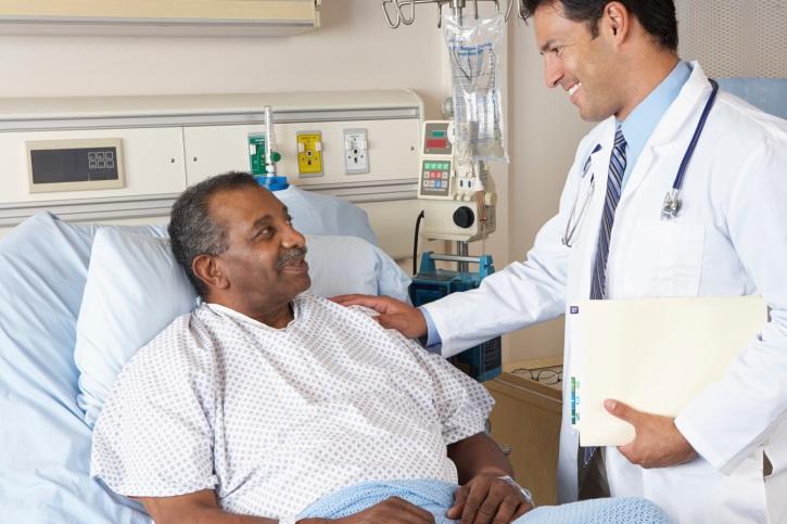 Доктор начинает рассказывать умирающему пациенту, что делать, чтобы жить дольше, но дождитесь конца!