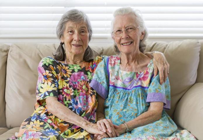 Старая леди интересовалась своим новым соседом. Но когда он рассказал свою историю – это весело!