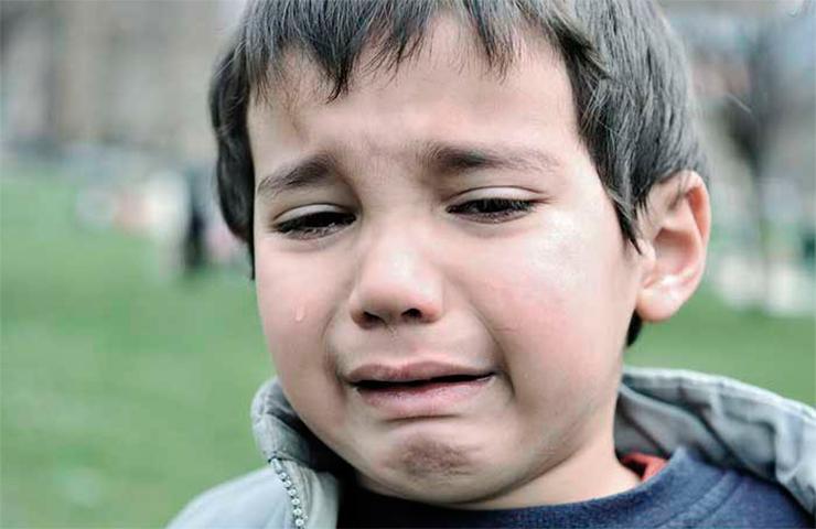 Над мальчиком бесконечно издевались его родители и учителя за то, что он был слишком медлительным. Но он никогда не ожидал, что незнакомка сделает это для него!