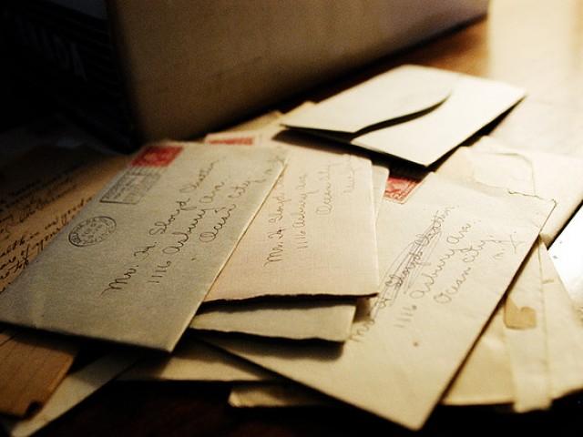 Работники почтового отделения пытались помочь старой леди, которая нуждалась в помощи, но никогда не ожидали такого результата!