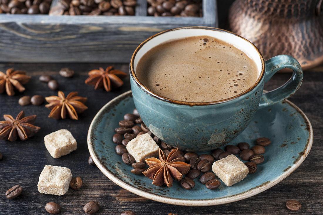 Человек в кофейне, заказав кофе, сказал эту интересную фразу. Что это значит на самом деле – невероятно!