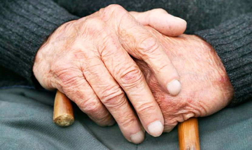 Этот молодой человек не мог не заметить, как старик смотрит на свои руки. Но никогда не ожидал, такого невероятного ответа!