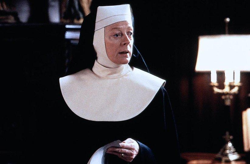 Монахиню провожают странными взглядами однажды утром, и причина этого довольно дикая!