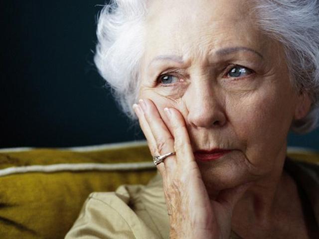 Эта пожилая женщина, потерявшая мужа, рассердилась, когда магазин отправил ей счет. Но реальность – золото!