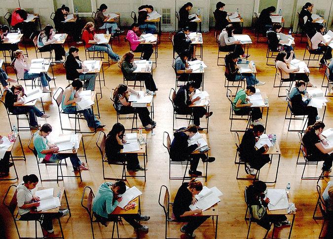Учительница знает, что ее ученик обманул ее, когда сдавал тест, но как она доказывает это — так смешно!