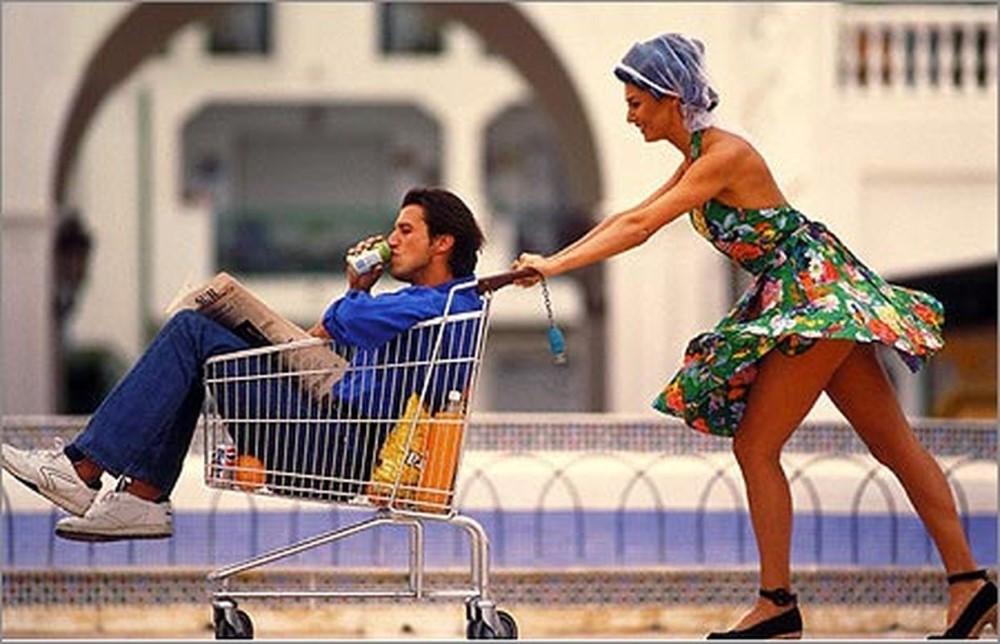 Мужу этой женщины запретили посещать Walmart. Причины этого – уморительно!