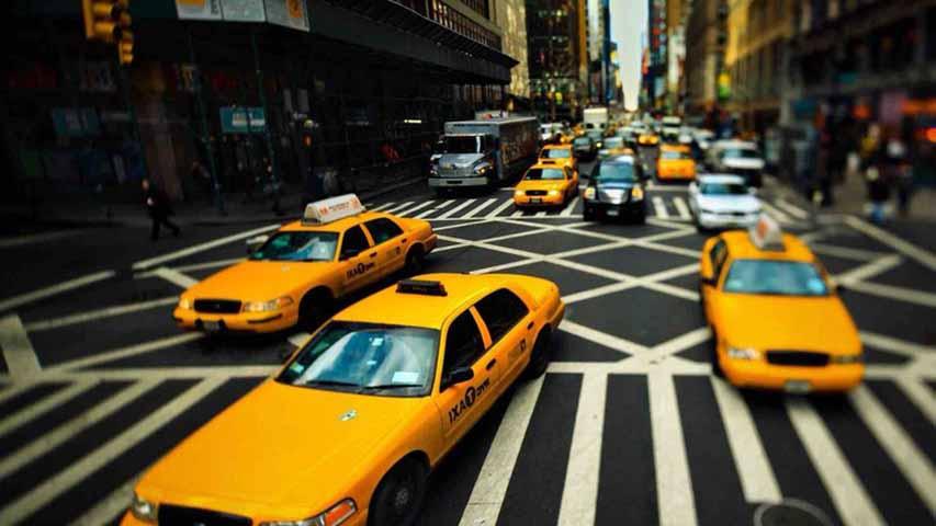 Водитель такси рассказал этой женщине о своей фантазии. Но он не ожидал, что последует дальше!
