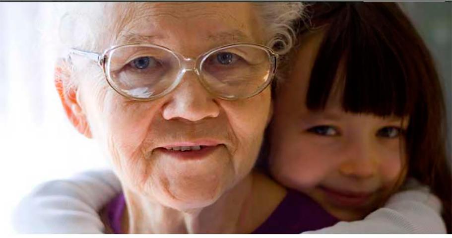 Маленькая девочка едет с бабушкой в машине. Но то, что она говорит дальше – бесценно!