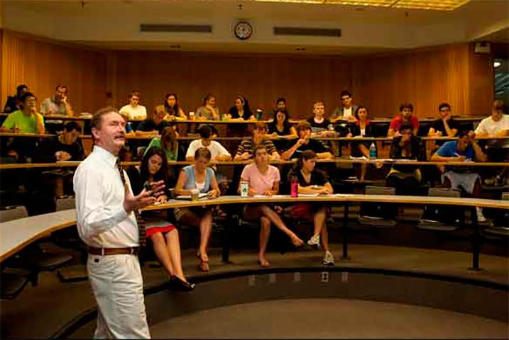 Этот профессор завалил целый класс. Но это был лучший эксперимент, благодаря которому они многое поняли!