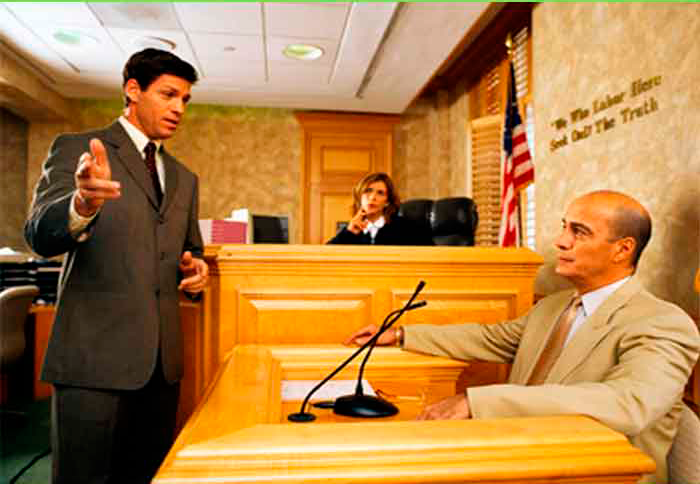 Этот адвокат продолжал допрашивать врача. Но ответ доктора – гениальный!