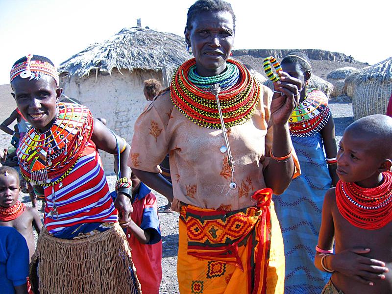 Профессор отправляется жить к примитивному африканскому племени. Там произошла история…