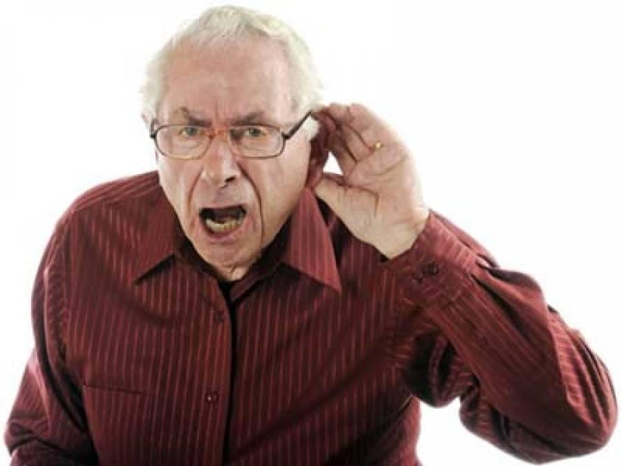 Старик думал, что его пожилая жена теряет слух, но правда – шок!