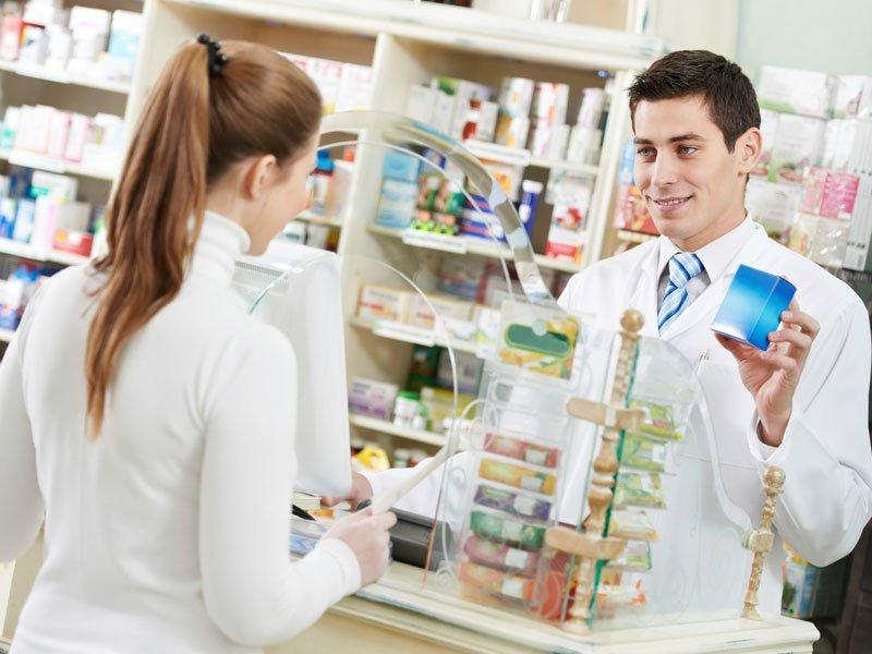 Дама идет в аптеку и заказывает цианид – подожди, пока узнаешь, почему!