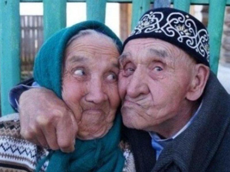 Этот дед придумал, как получить свою бабку!