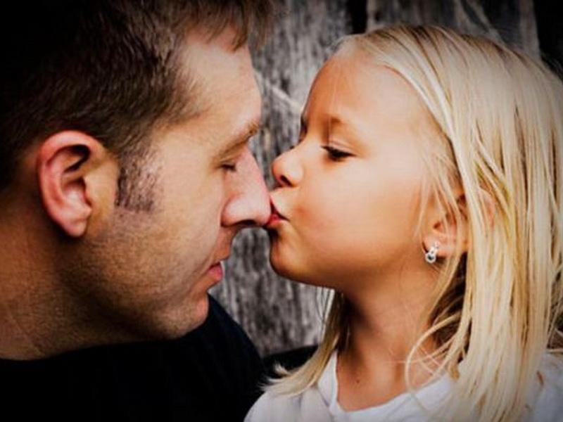 Ее отца все считали крутым мужественным парнем. Но, для своей дочери он был готов на самые удивительные поступки!