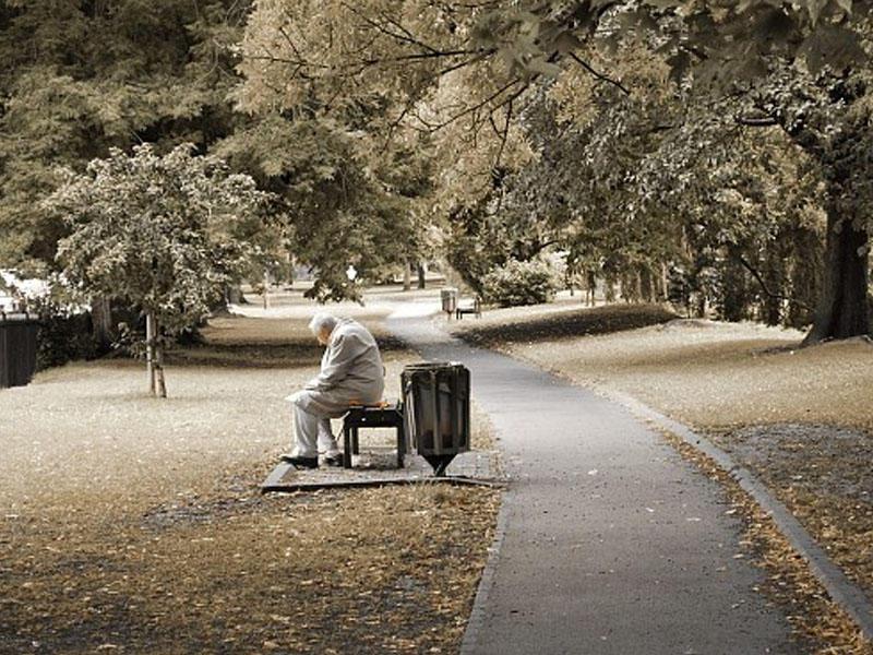 Он услышал, как молодой человек смеется над пожилым. Тот оказался ветераном…