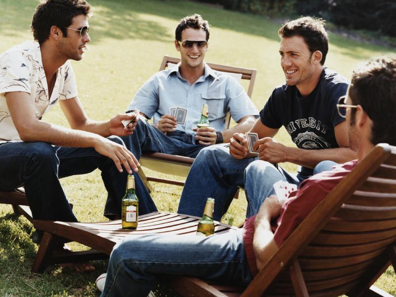 Четверо мужчин сравнили достижения своих сыновей. Самый удачливый оказался неожиданным…