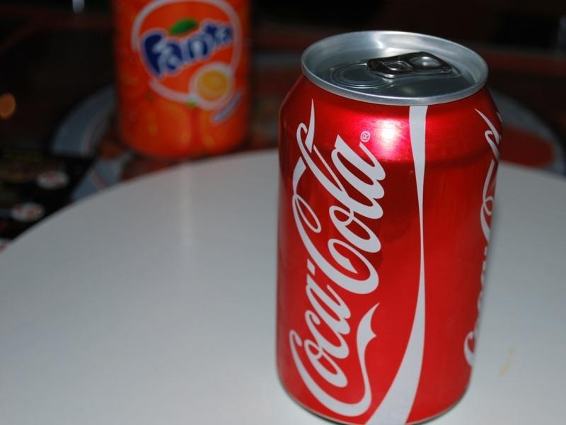 Очень здорово попил кока-колы в жару!