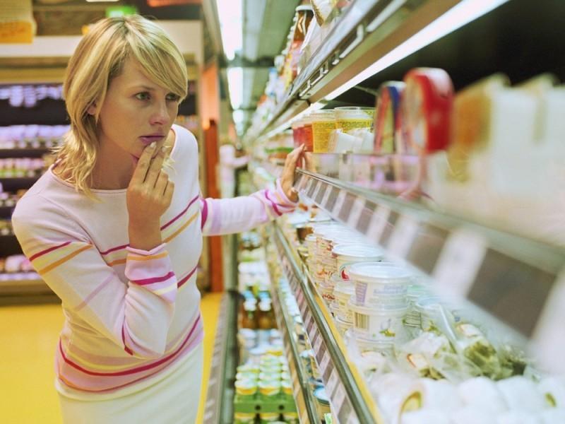 Эта бедная мама всегда брала калькулятор в магазин, чтобы знать, сколько еды они могли себе позволить. Через несколько лет она поступила вот так!