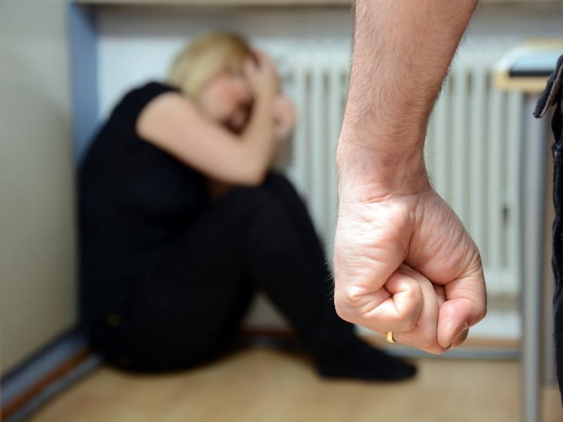 Она знала, что муж соседки избивает ее. То, как она спасла эту бедную женщину – бесценно!