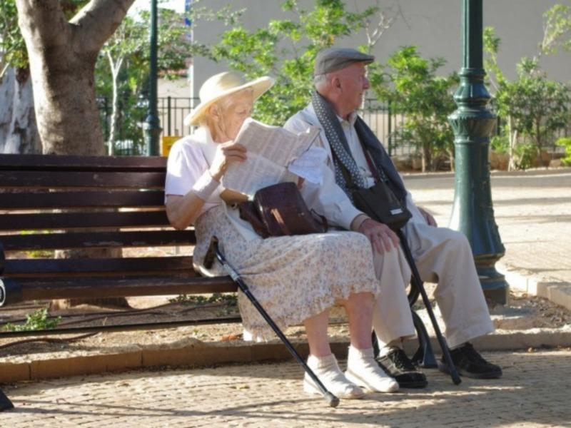 У пожилой пары были проблемы с памятью. Только послушай их диалог!