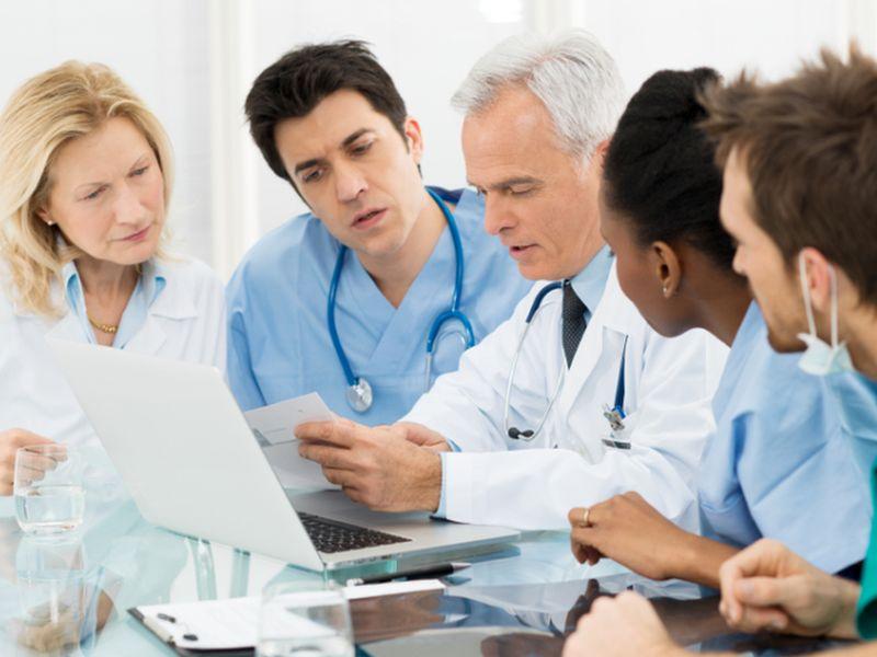 Четверо доктором со всего мира обсуждали медицину. Итог их разговора тебя удивит!