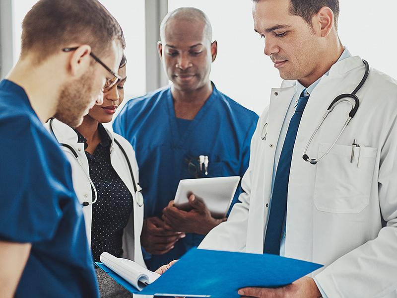 Пять хирургов обсуждали любимых пациентов. Этот парень ответил лучше всех!