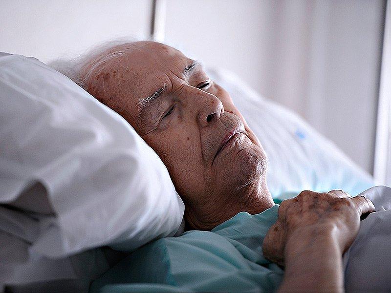 Пастор пришел на беседу с умирающим мужчиной. Их беседу стоит прочесть…
