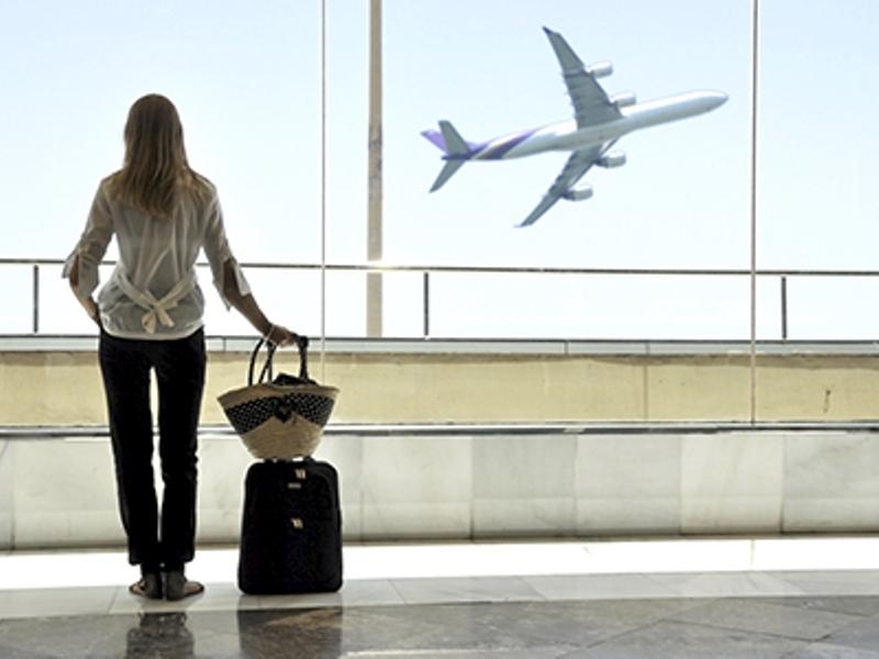 Мама и дочка обменялись странными словами на прощание в аэропорту. Это так трогательно!