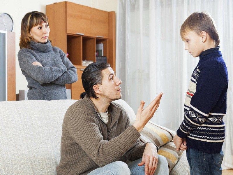 Этого мальчика только что исключили из школы, только послушай почему!