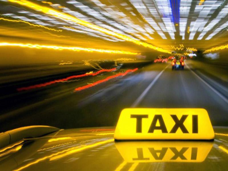 Этот таксист, вероятно, был очень «опытный»!