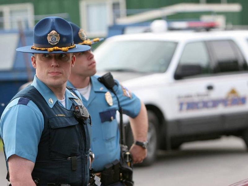 Вот смешная шутка про полицейского и тупицу! Прочти и улыбнись!