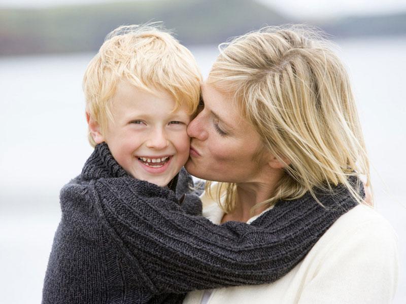 Мать-одиночка не смогла бросить в этой ситуации друга своего сына. Замечательная история!