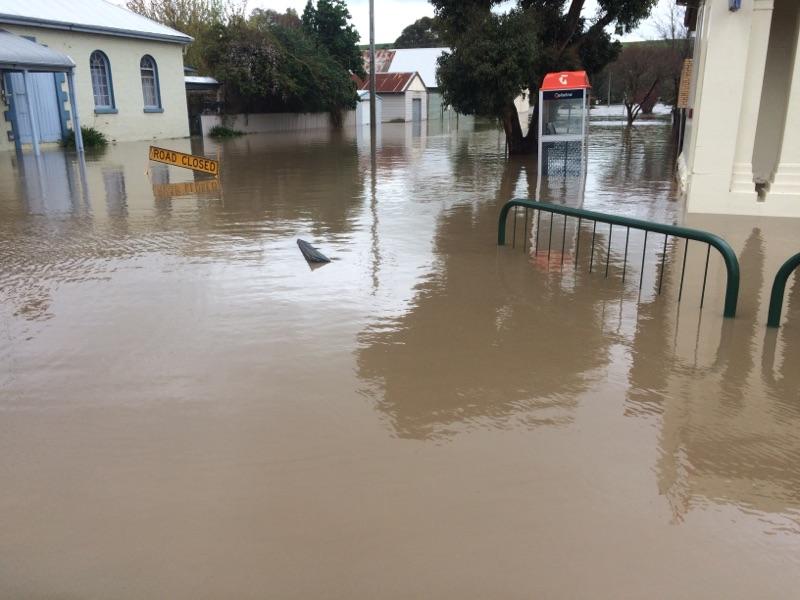 Старушка отказалась от помощи после наводнения, но последствия стоит прочесть!