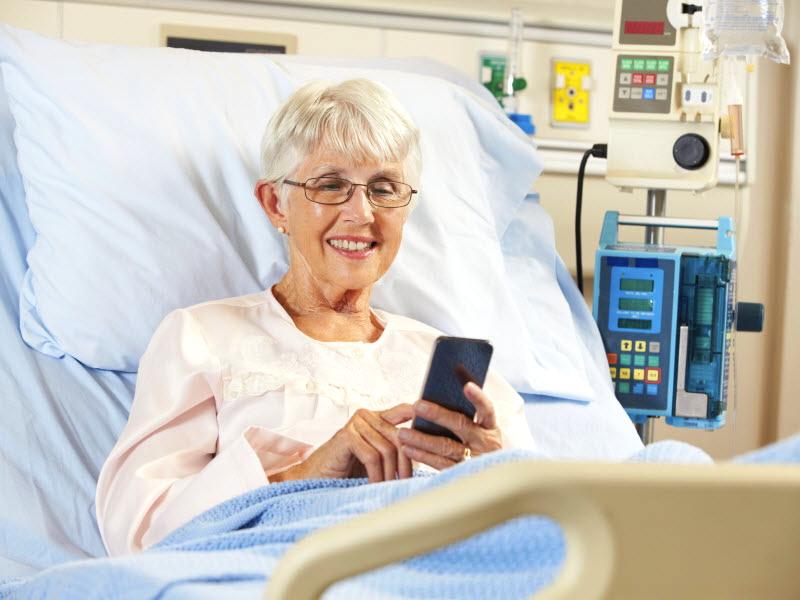 Старушка звонит в больницу для новостей о пациенте, но правда шокирует!