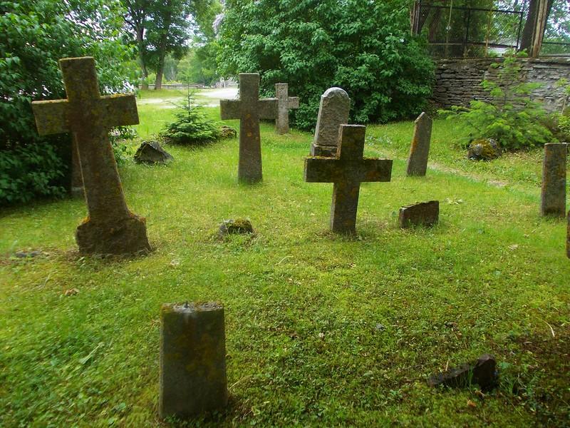 Этот мальчик был шокирован, когда услышал этот разговор возле кладбища. Но, дальше было нечто!