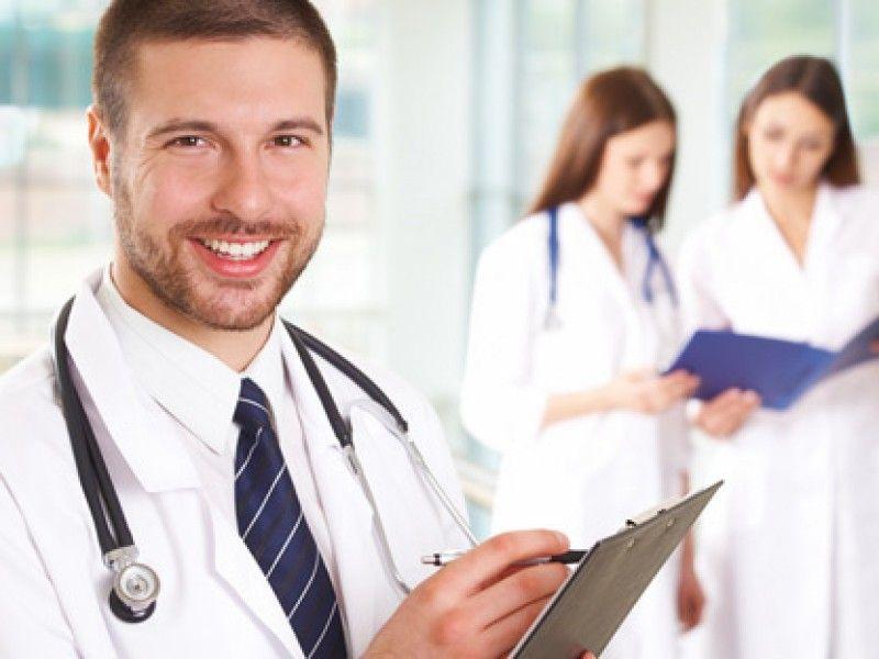 Окружающие явно не поняли действия врачей!